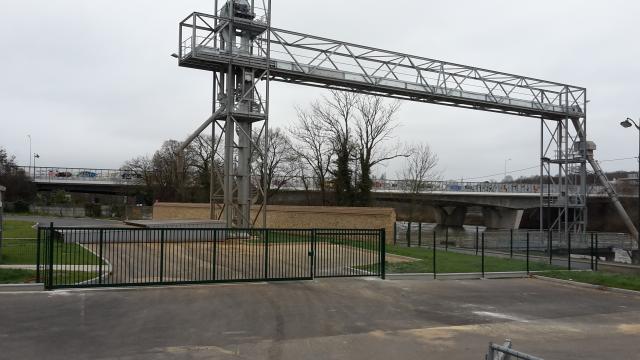 portail coulissant et ajout pivotant pour passage grande largeur (silo